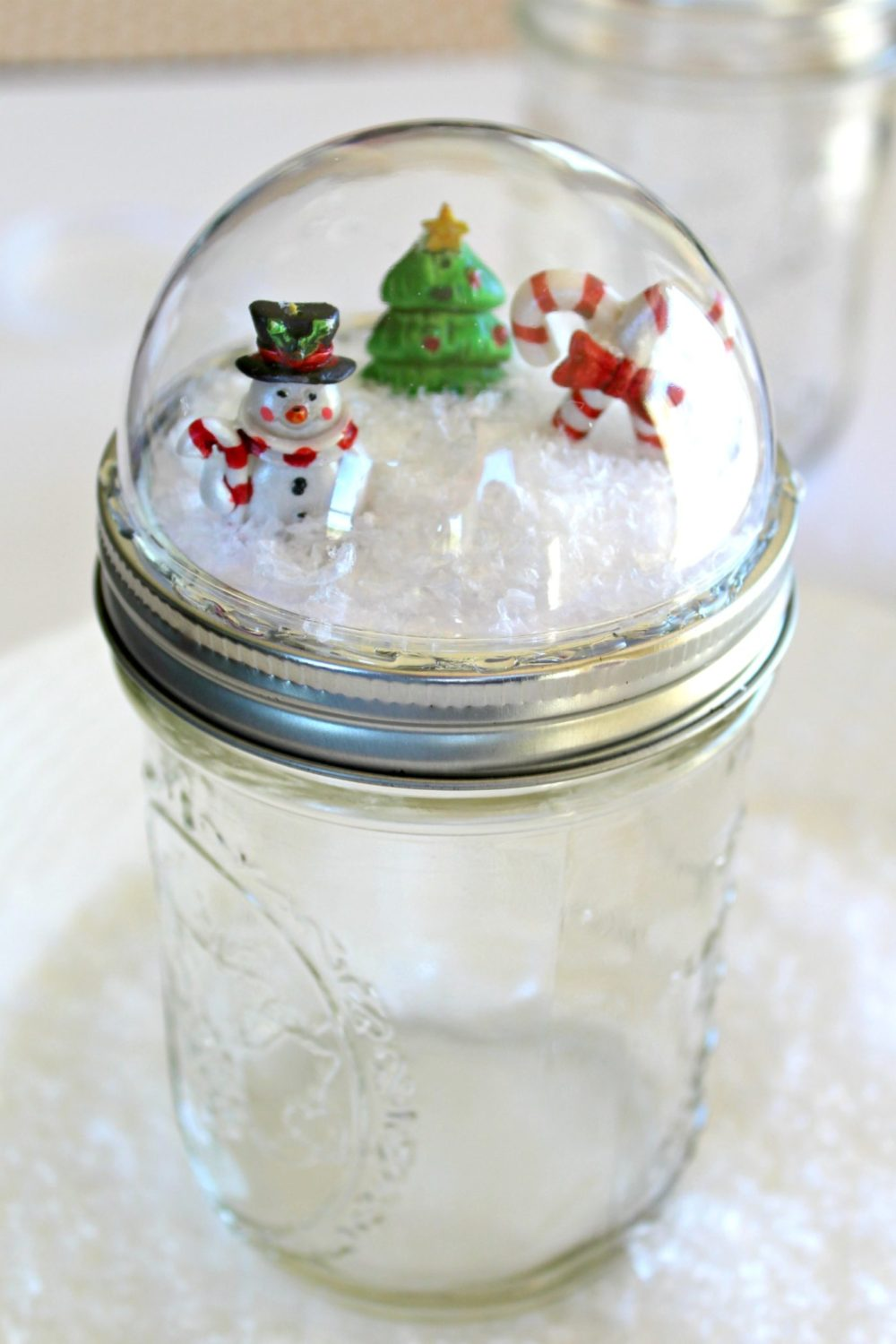 How to Make Christmas Snow Globe
